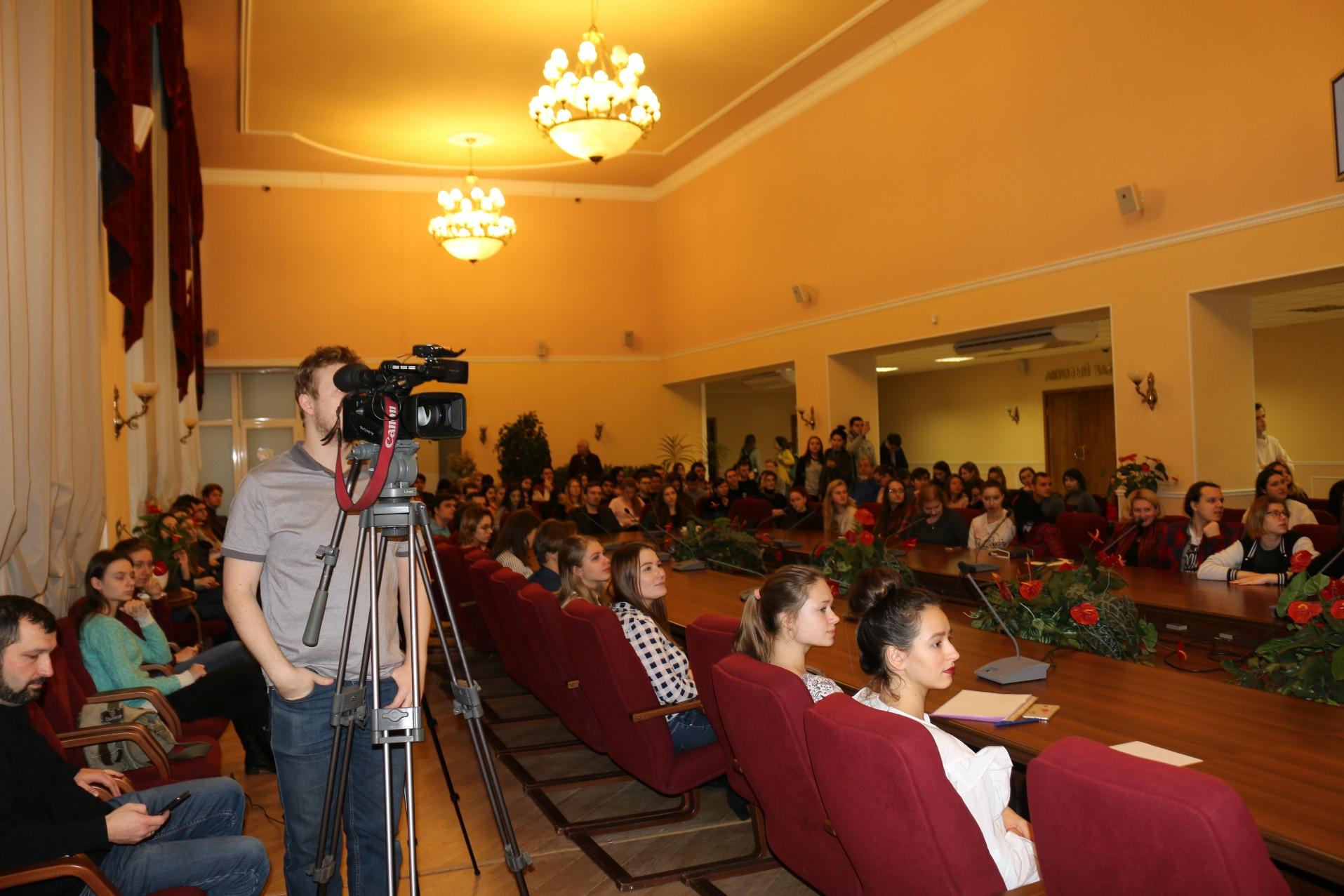 В МосГУ прошла встреча с профессором Брином Хэммондом и переводчиком Андреем Корчевским