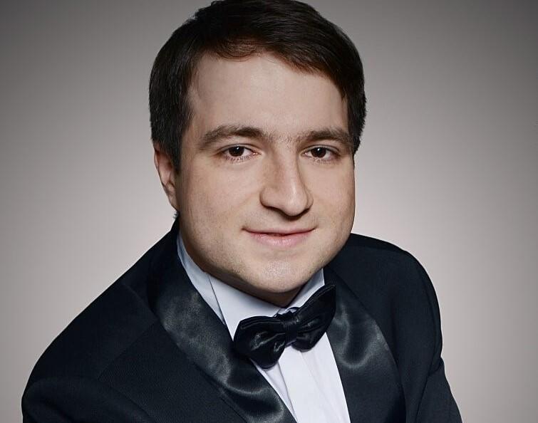 Алексей КУДРЯШОВ (фортепиано)